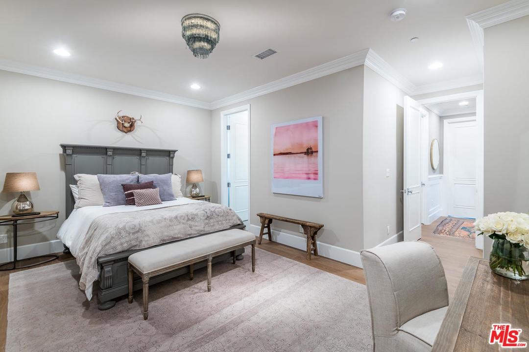 12634 KLING, Studio City, CA 91604