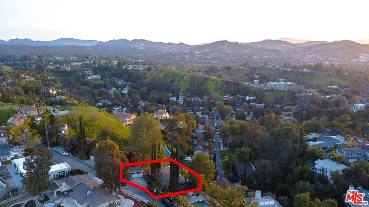 5035 CERRILLOS, Woodland Hills, CA 91364