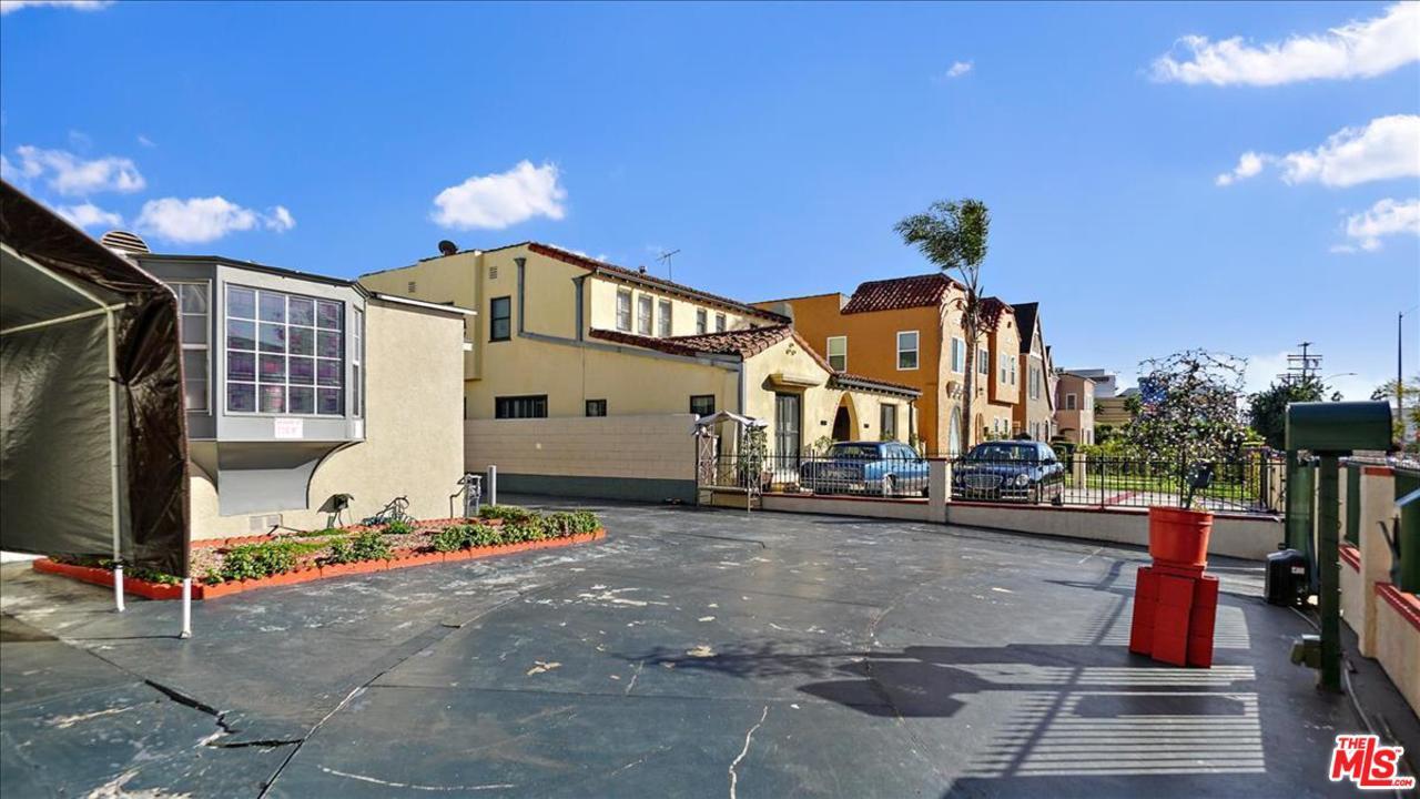 1330 RIMPAU, Los Angeles (City), CA 90019