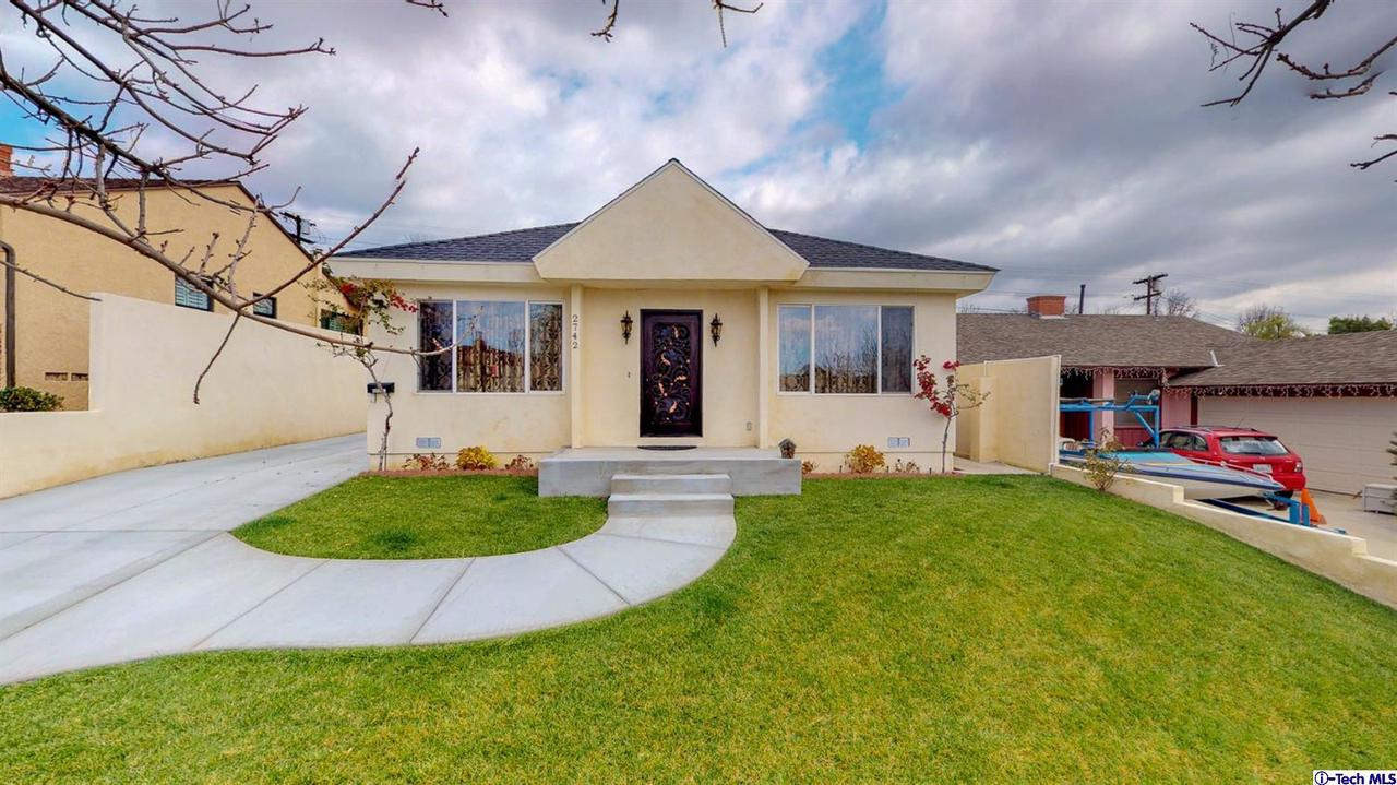 2742 BRIGHTON, Burbank, CA 91504