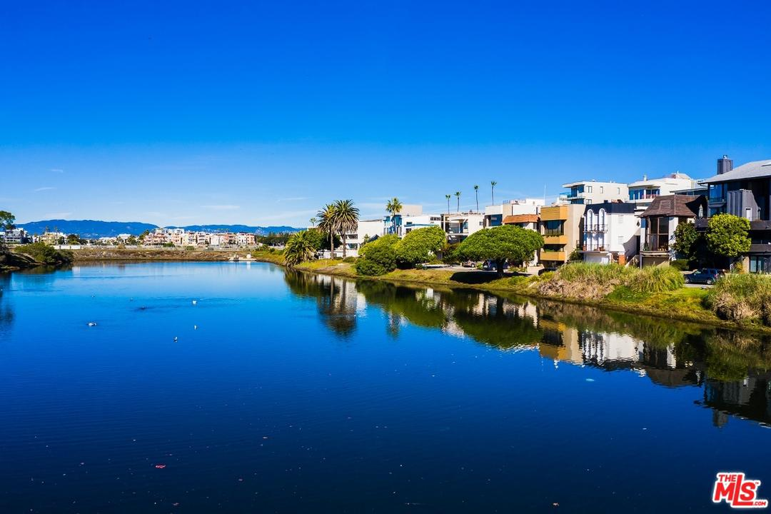 6529 ESPLANADE, Playa Del Rey, CA 90293