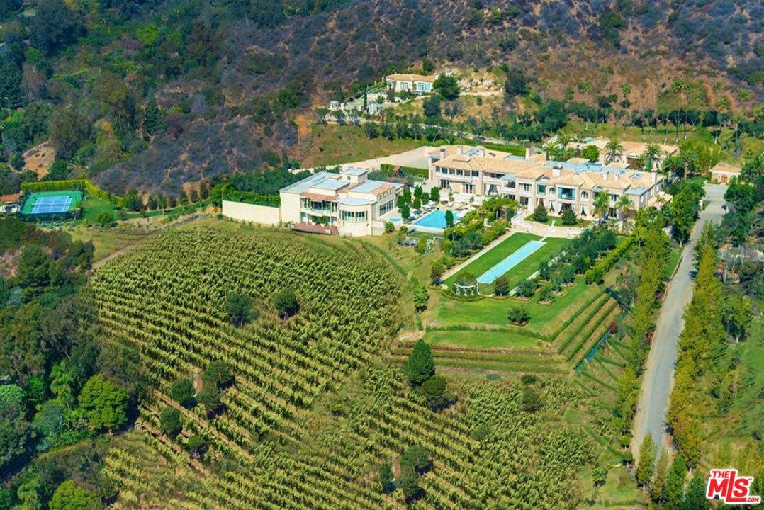 Photo of 9505 LANIA LN, Beverly Hills, CA 90210