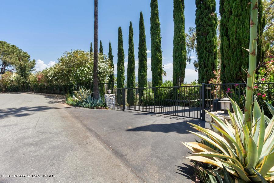 260 PATRICIAN, Pasadena, CA 91105 - 260 pw 2
