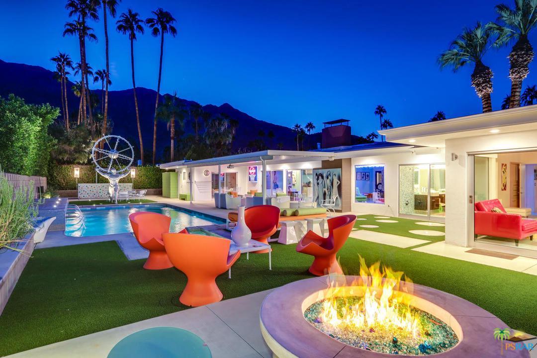 Photo of 611 W LEISURE WAY, Palm Springs, CA 92262