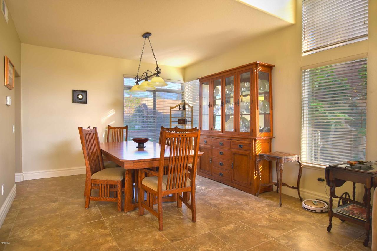 440 MOCKINGBIRD, Fillmore, CA 93015 - Dining Room