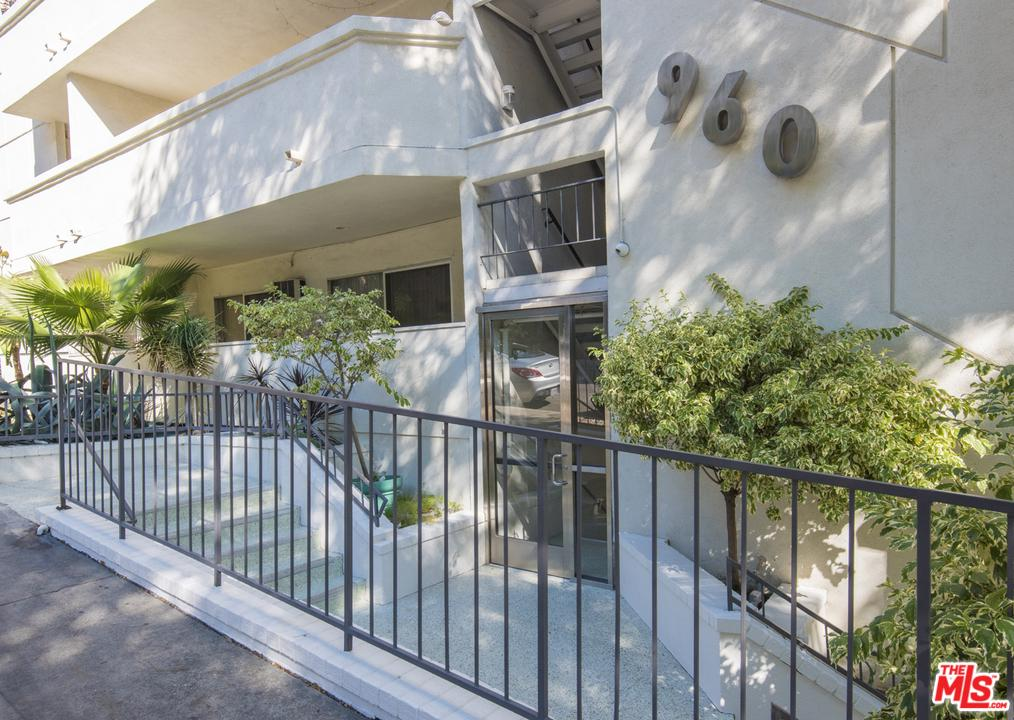 960 LARRABEE, West Hollywood, CA 90069