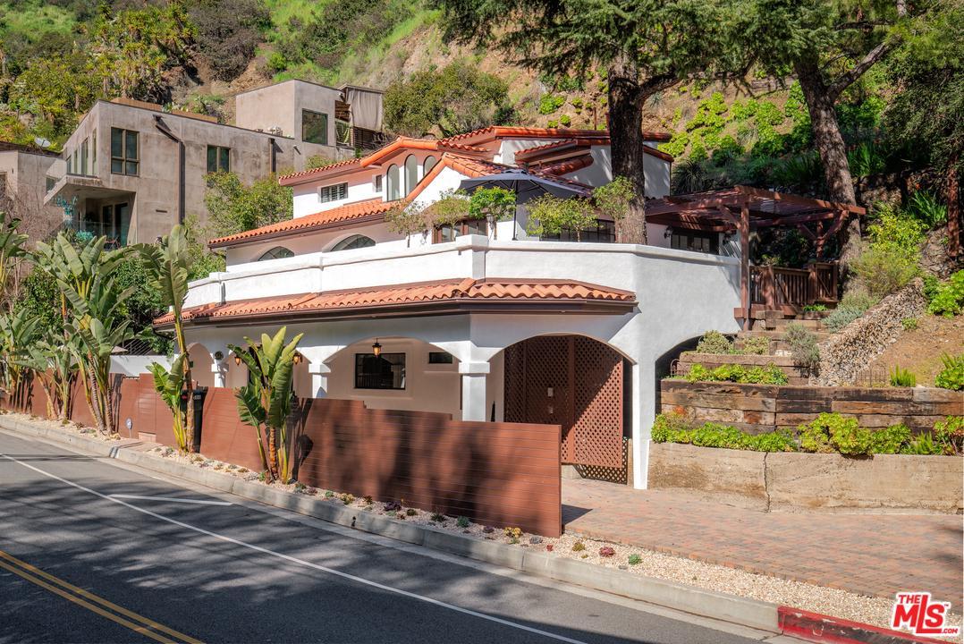 Photo of 1508 N BEVERLY GLEN, Los Angeles, CA 90077