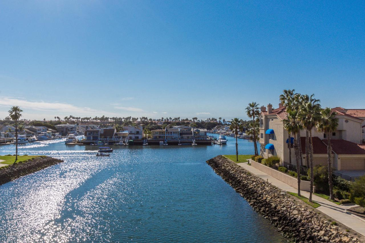 Photo of 1753 EMERALD ISLE WAY #48, Oxnard, CA 93035