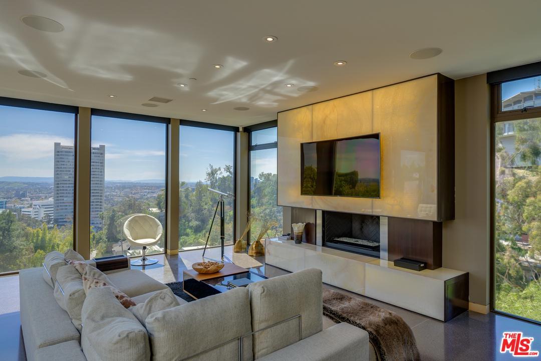 9288 SIERRA MAR, Los Angeles (City), CA 90069