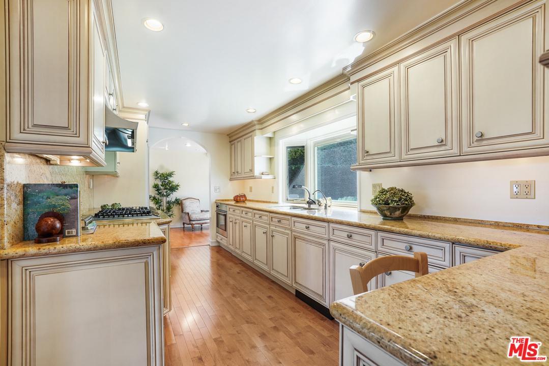 7119 FERNHILL, Malibu, CA 90265