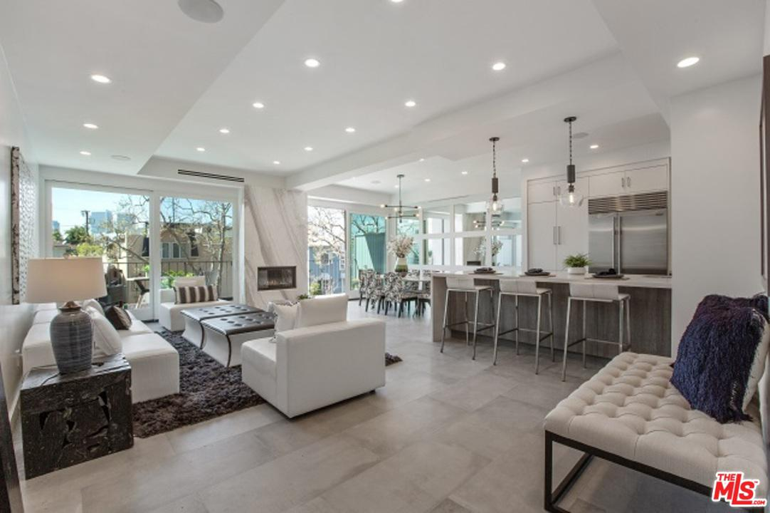 Photo of 450 S MAPLE DR, Beverly Hills, CA 90212