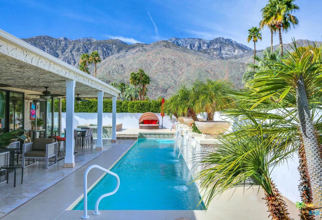 Photo of 1304 E SIERRA WAY, Palm Springs, CA 92264