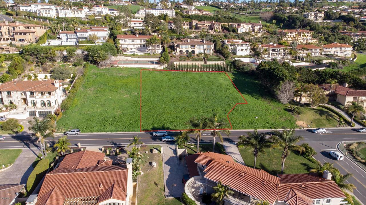 1524 VIA FERNANDEZ, Palos Verdes Estates, CA 90274 - PV Lot w Line 1