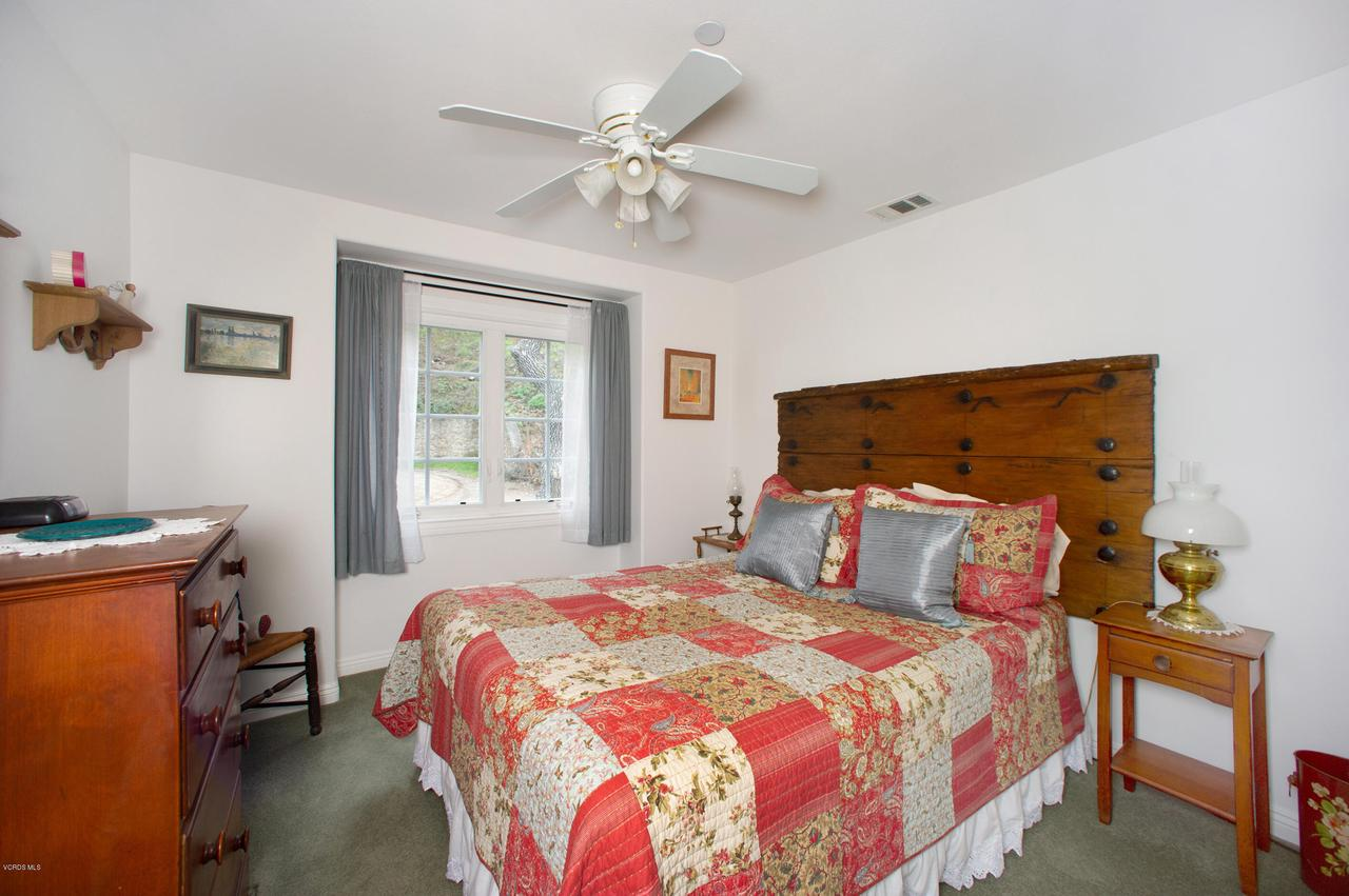 115 GILES, Lake Sherwood, CA 91361 - Bedroom 2