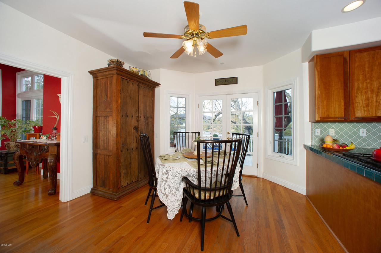 115 GILES, Lake Sherwood, CA 91361 - Breakfast room with french doors to deck