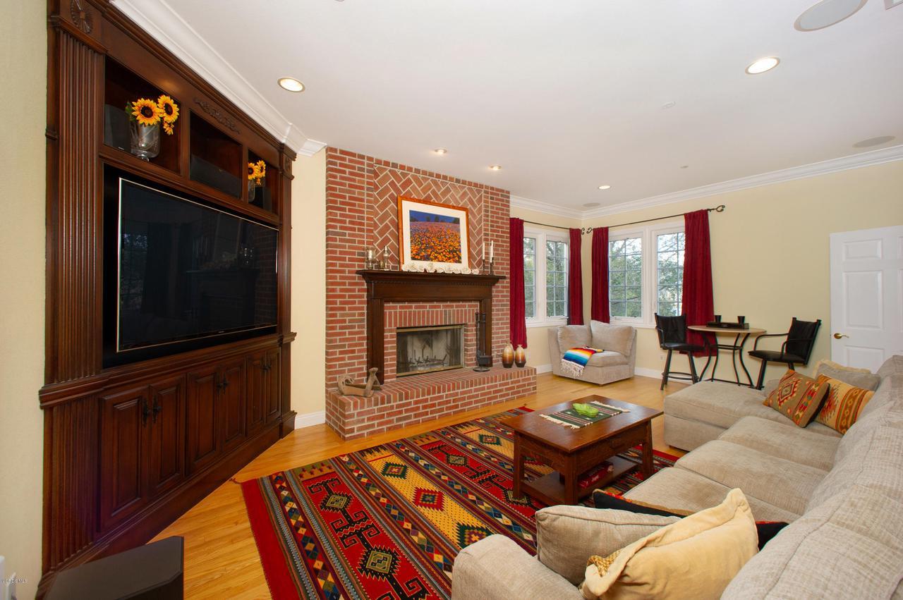115 GILES, Lake Sherwood, CA 91361 - Family Room lower level