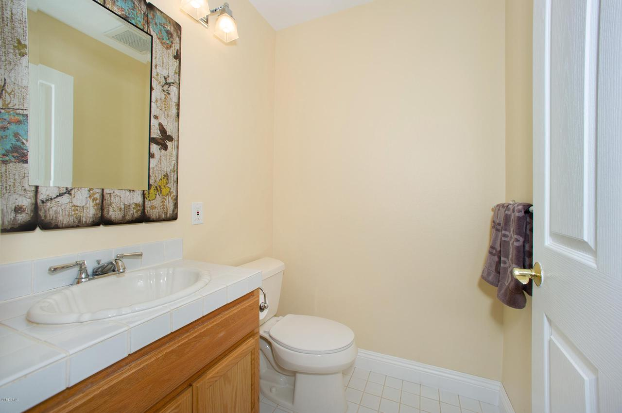 115 GILES, Lake Sherwood, CA 91361 - Billiard Room half bath