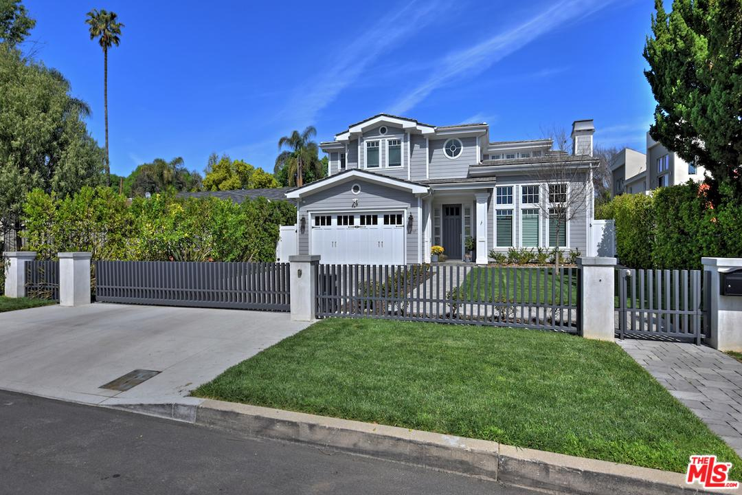 Photo of 15737 HESBY ST, Encino, CA 91436