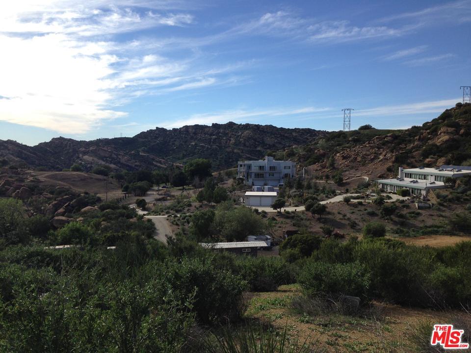 7419 STUDIO, West Hills, CA 91304