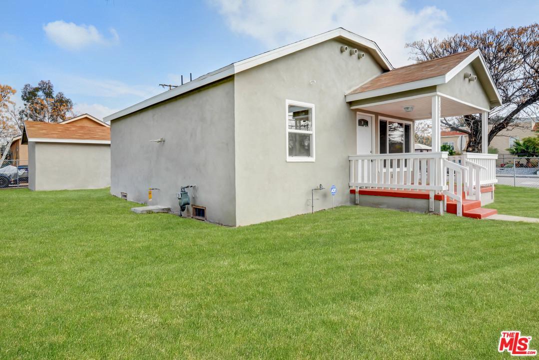 202 LUGONIA, Redlands, CA 92374