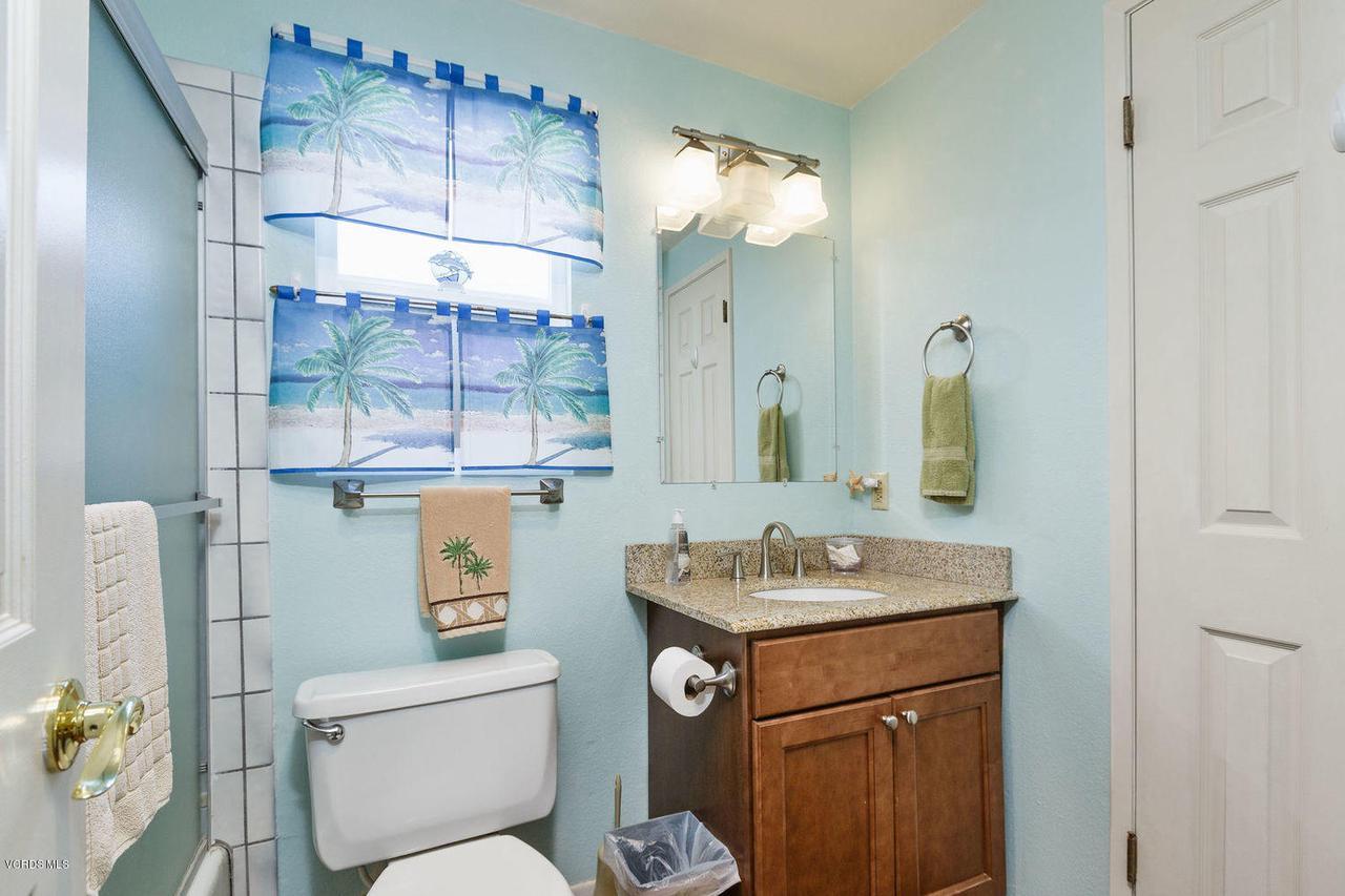 109 LA CRESCENTA, Oxnard, CA 93035 - 019_19bathroom_1