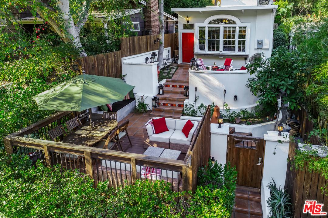 Photo of 8689 LOOKOUT MOUNTAIN AVE, Los Angeles, CA 90046