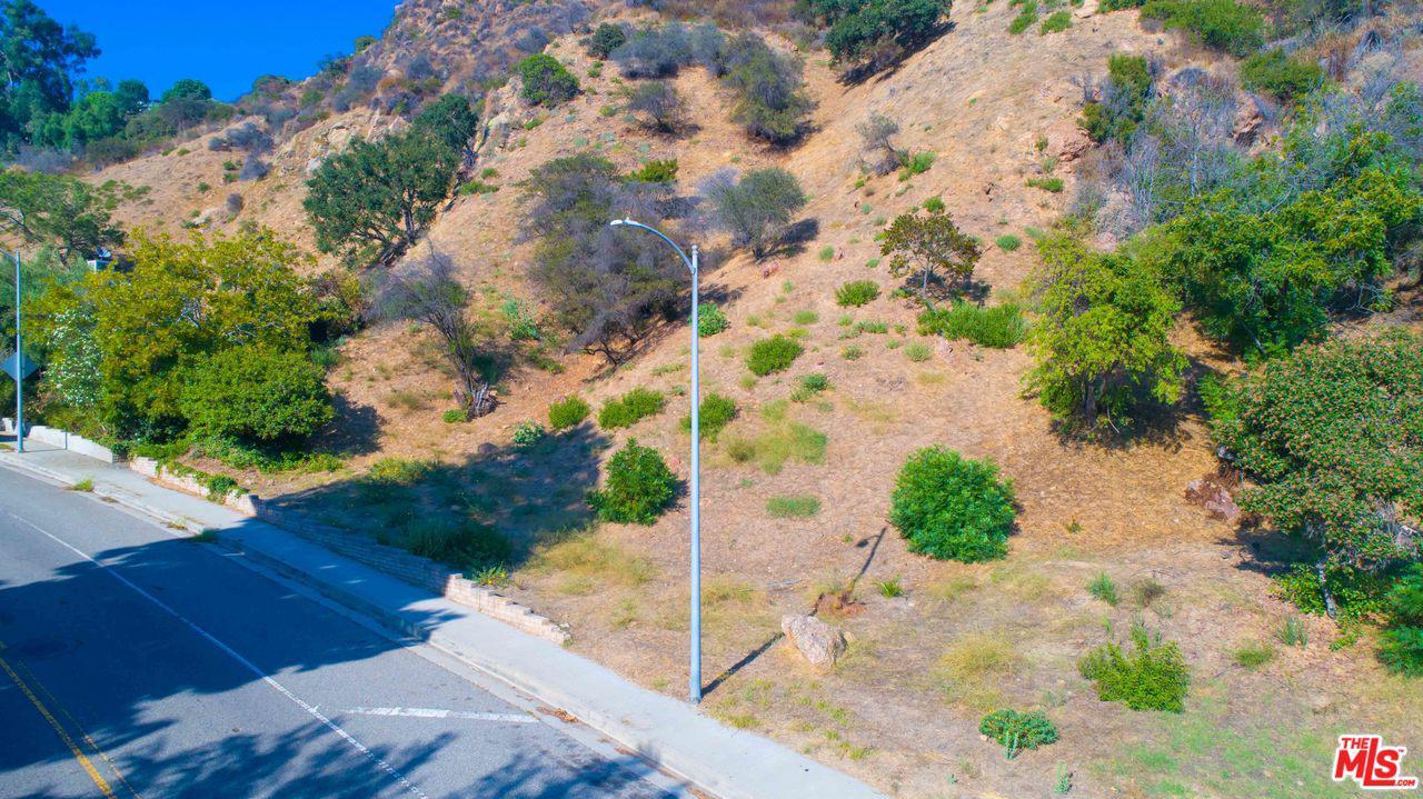 1142 BIENVENEDA, Pacific Palisades, CA 90272