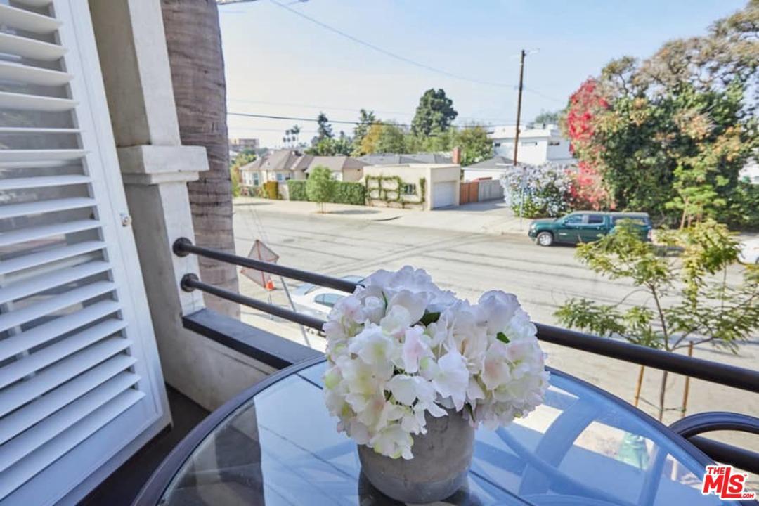 2250 GRANVILLE, Los Angeles (City), CA 90064