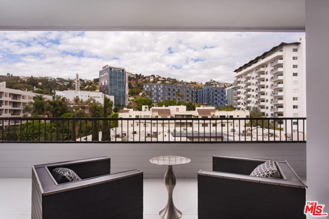 1100 ALTA LOMA, West Hollywood, CA 90069