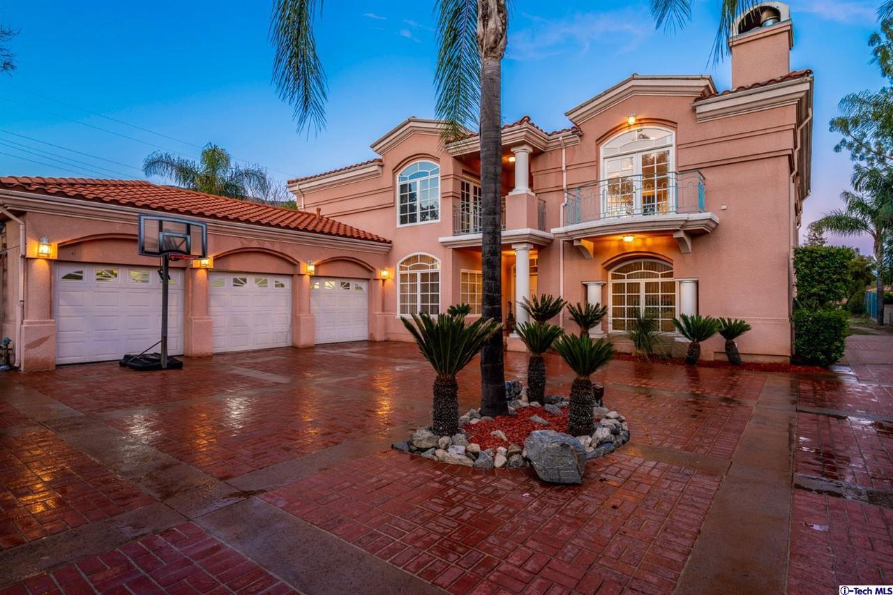 Glendale                                                                      , CA - $3,475,000