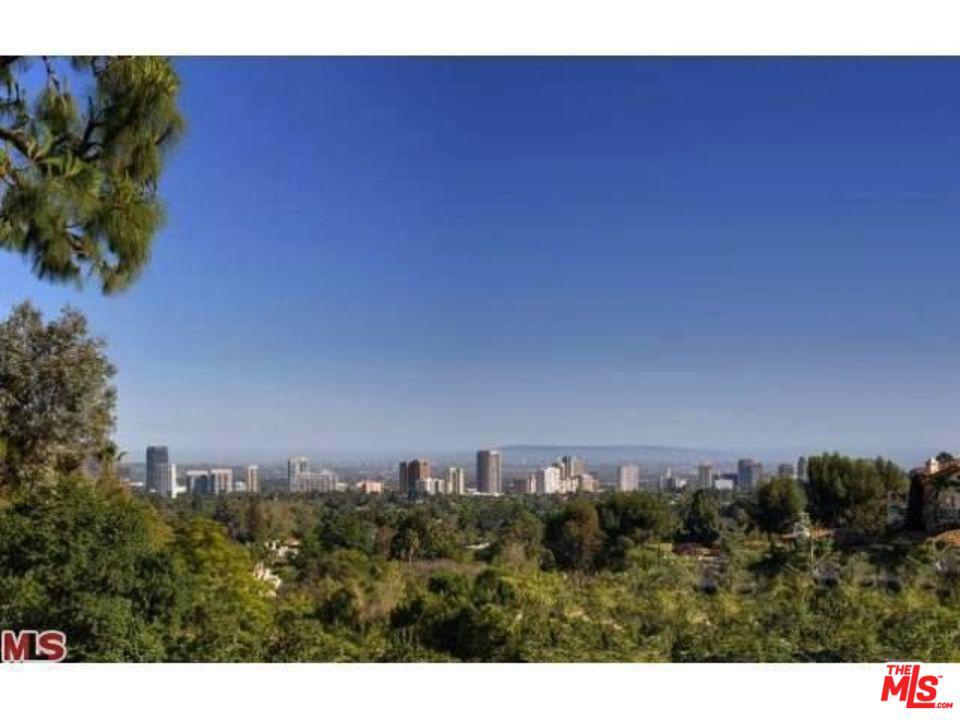 677 NIMES, Los Angeles (City), CA 90077