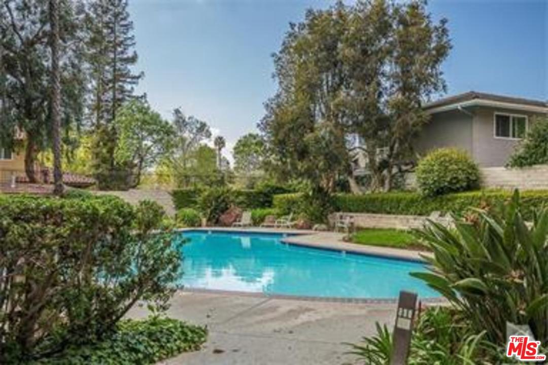 Photo of 31574 AGOURA RD, Westlake Village, CA 91361