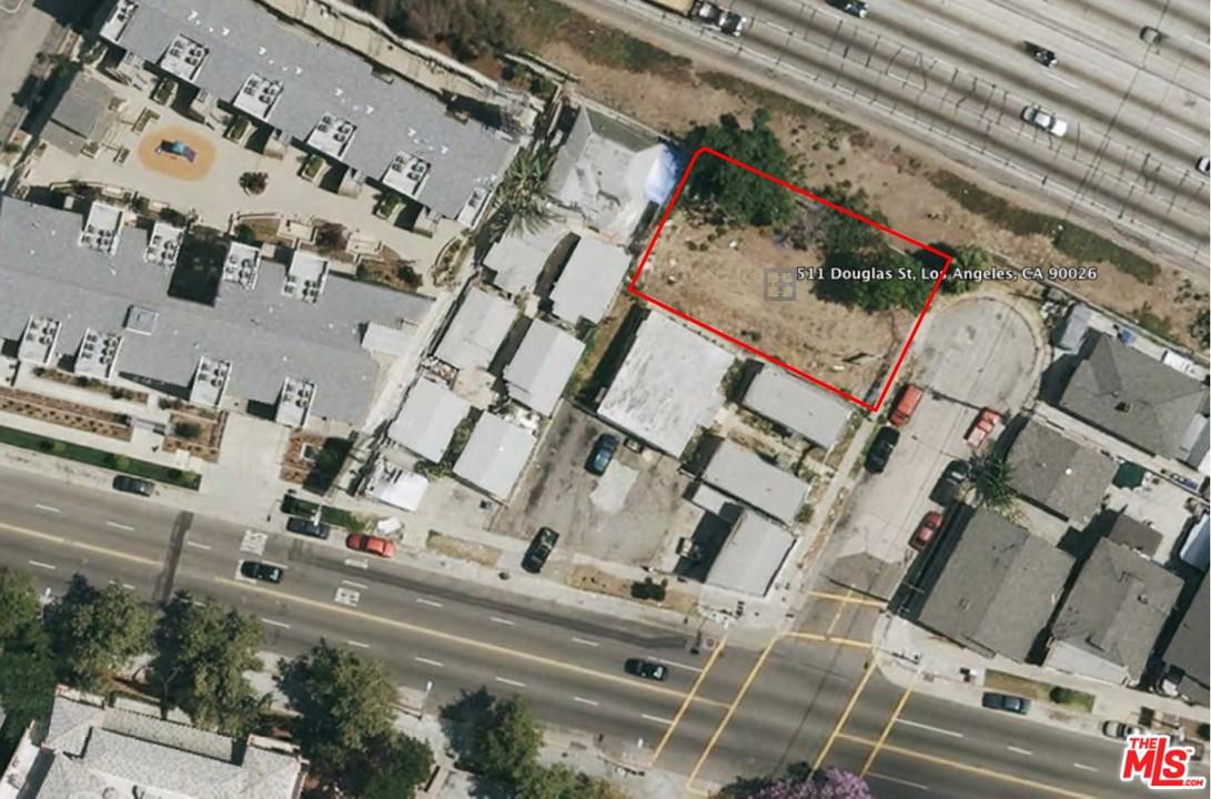 511 DOUGLAS, Los Angeles (City), CA 90026