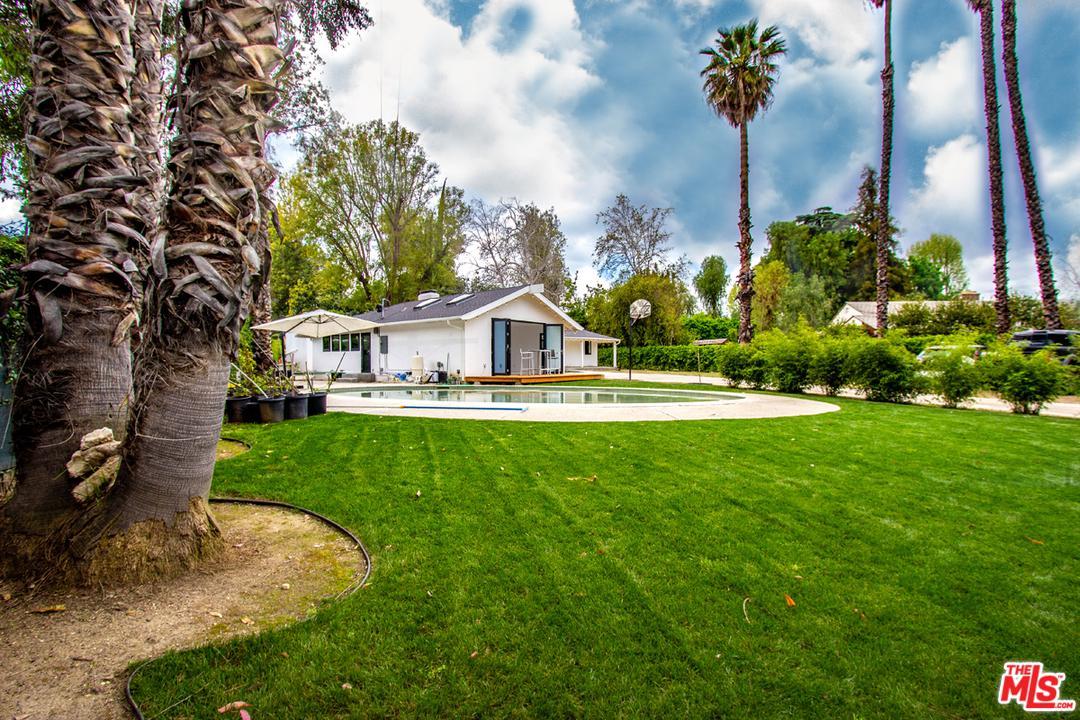 Photo of 8445 MELVIN AVE, Northridge, CA 91324