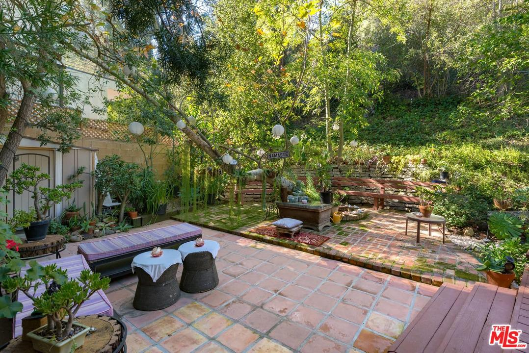 2671 BEVERLY GLEN, Los Angeles (City), CA 90077