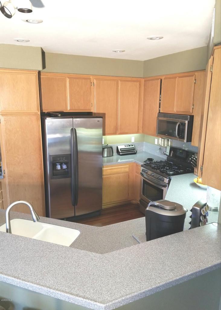 1063 MEADOWLARK, Fillmore, CA 93015 - kitchen 1