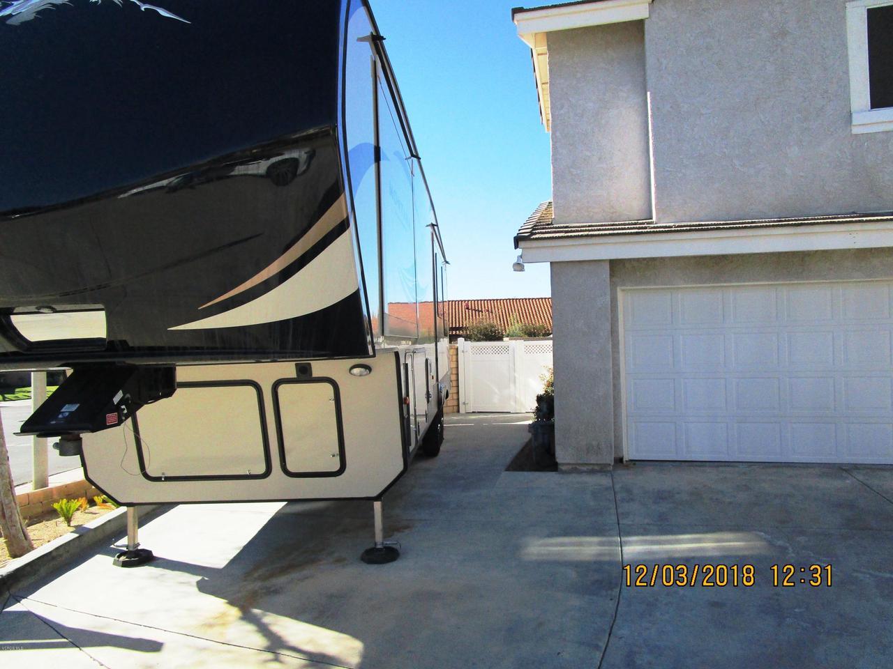 1063 MEADOWLARK, Fillmore, CA 93015 - rv parking 2
