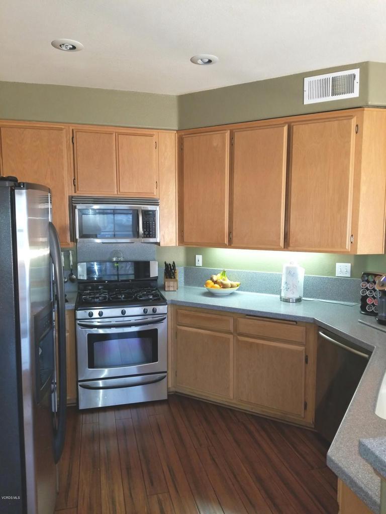 1063 MEADOWLARK, Fillmore, CA 93015 - kitchen 3