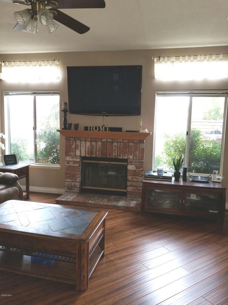 1063 MEADOWLARK, Fillmore, CA 93015 - living room 1