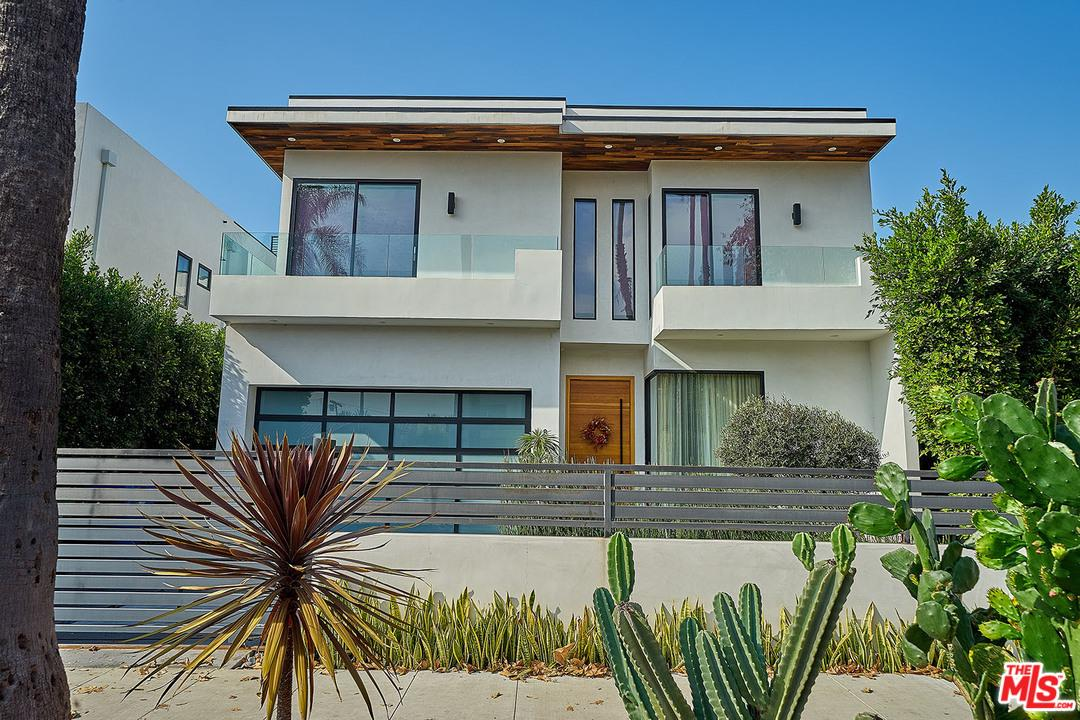 833 CHEROKEE, Los Angeles (City), CA 90038