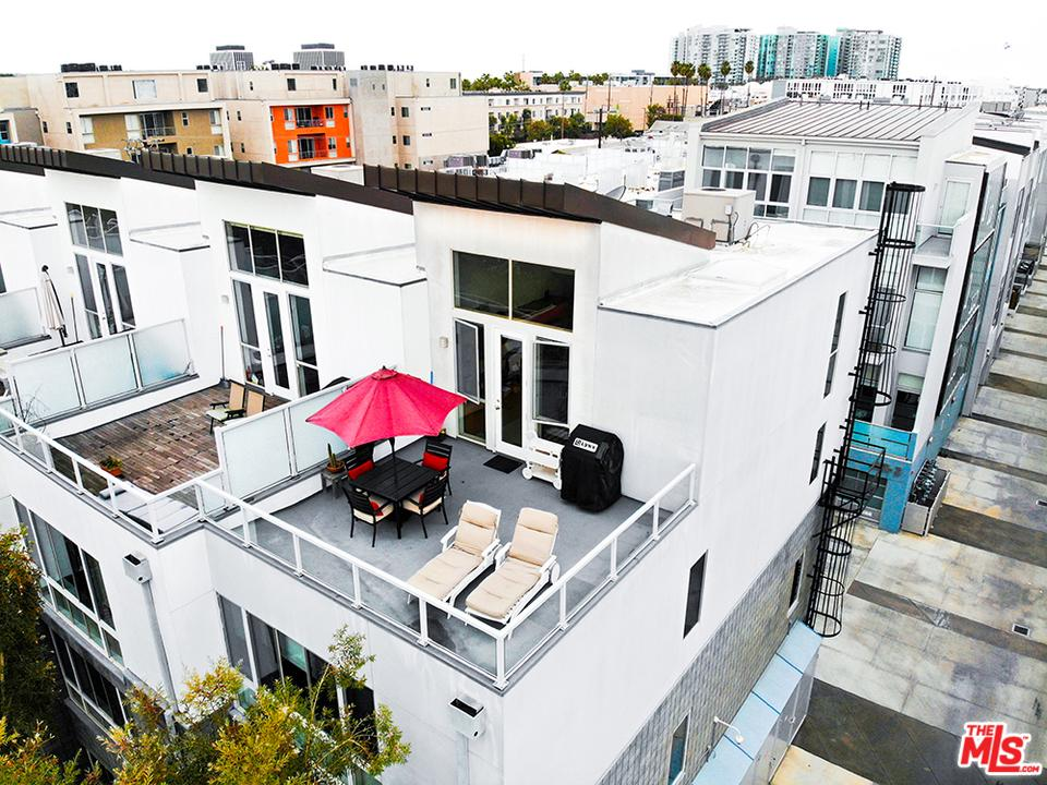 4151 REDWOOD, Los Angeles (City), CA 90066