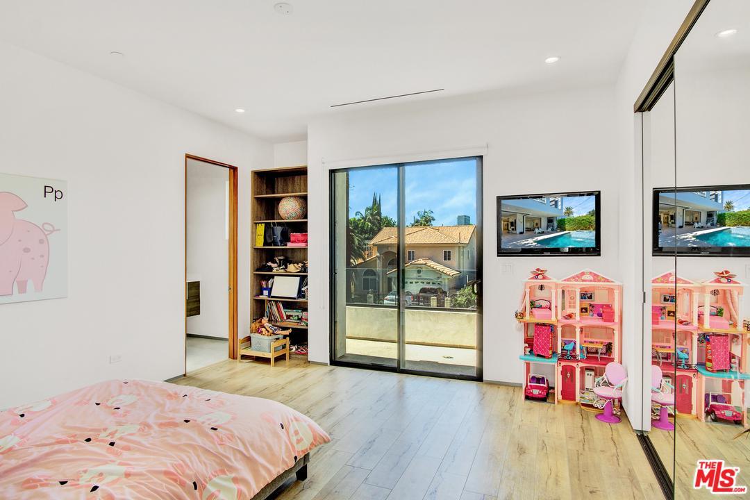 4630 TOBIAS, Sherman Oaks, CA 91403