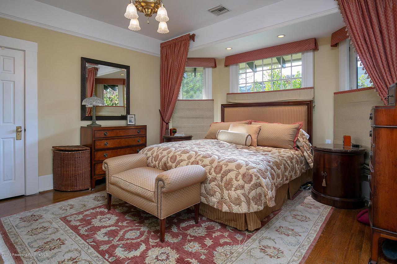 468 LOCKE HAVEN, Pasadena, CA 91105 - 468 Locke Haven St 025-mls