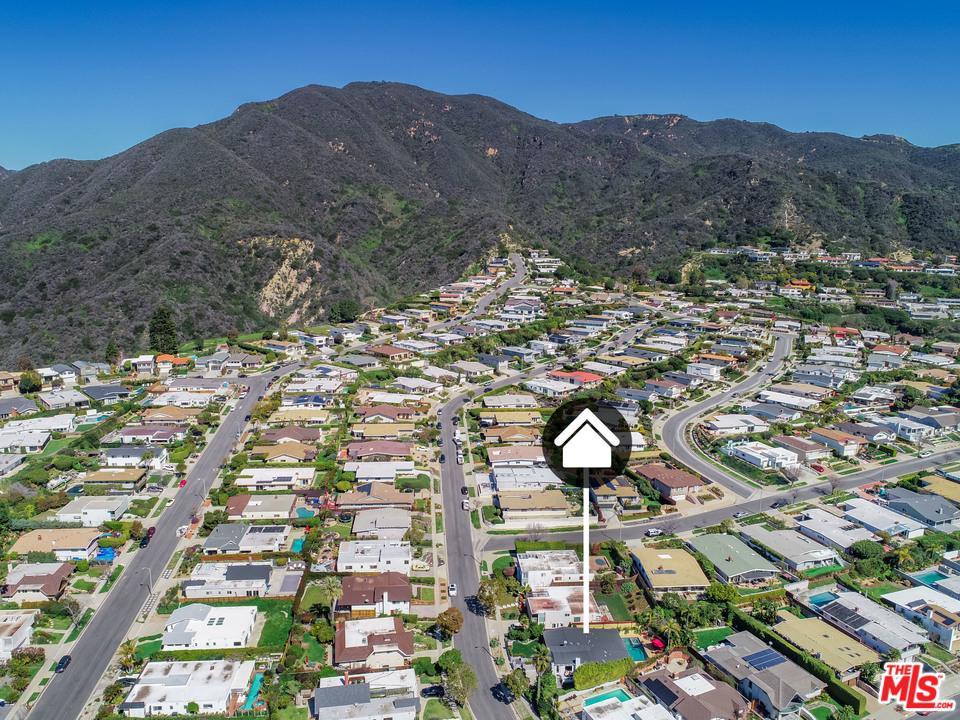 3818 SEAHORN, Malibu, CA 90265