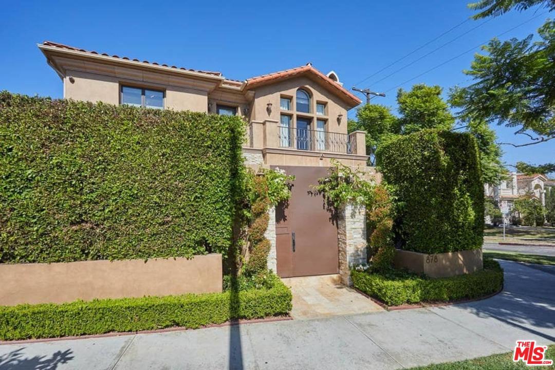 12127 DOROTHY, Los Angeles (City), CA 90049