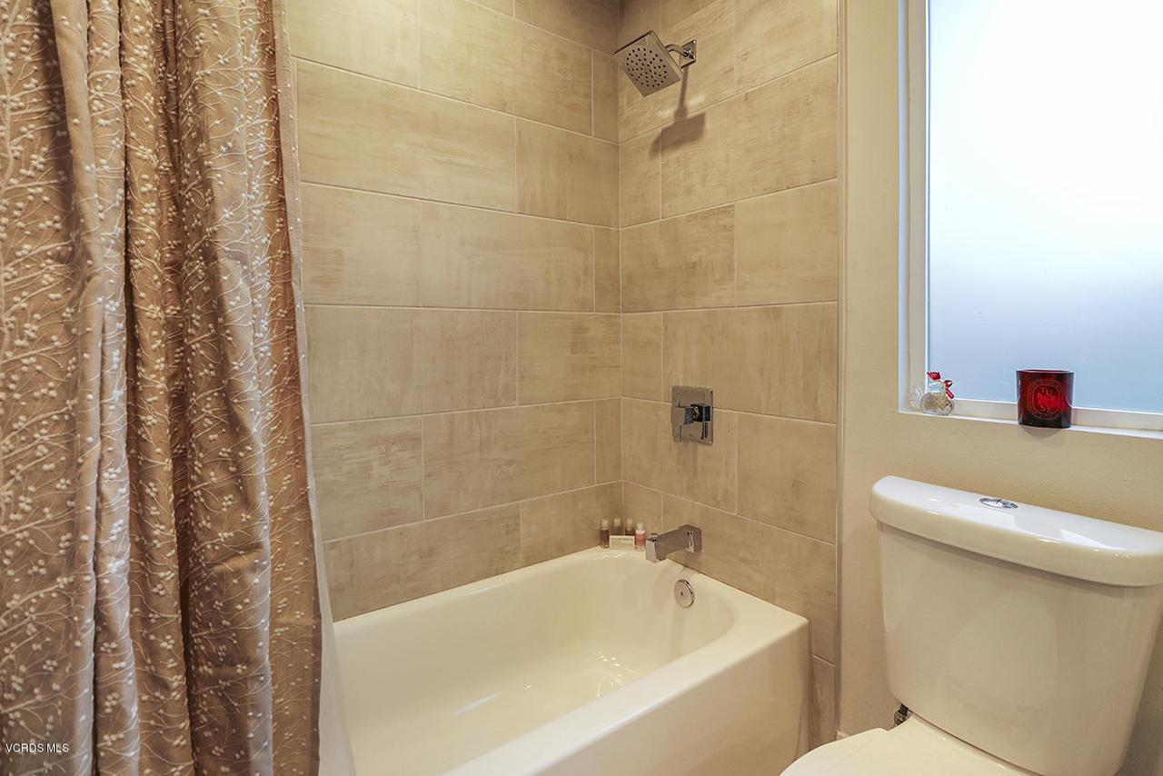 7868 MESA, Simi Valley, CA 93063 - gGuest Bath3
