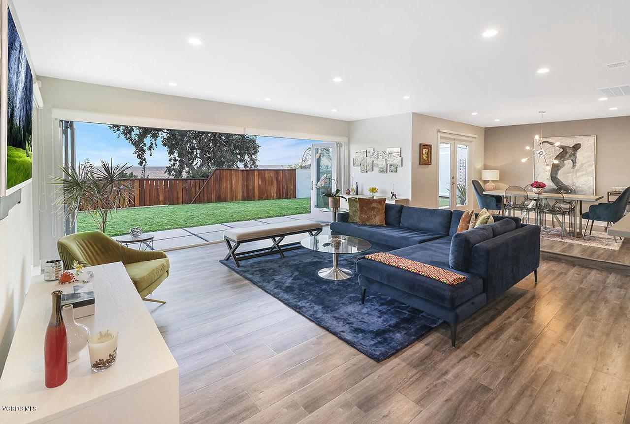7868 MESA, Simi Valley, CA 93063 - eLiving Room1