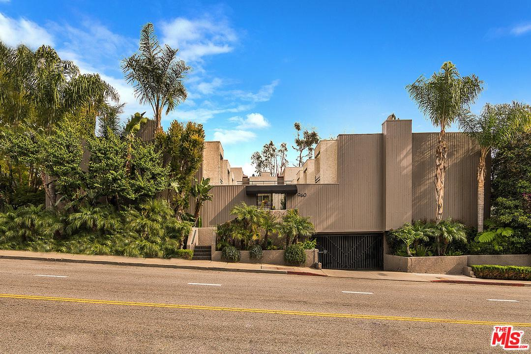 960 SAN VICENTE, West Hollywood, CA 90069