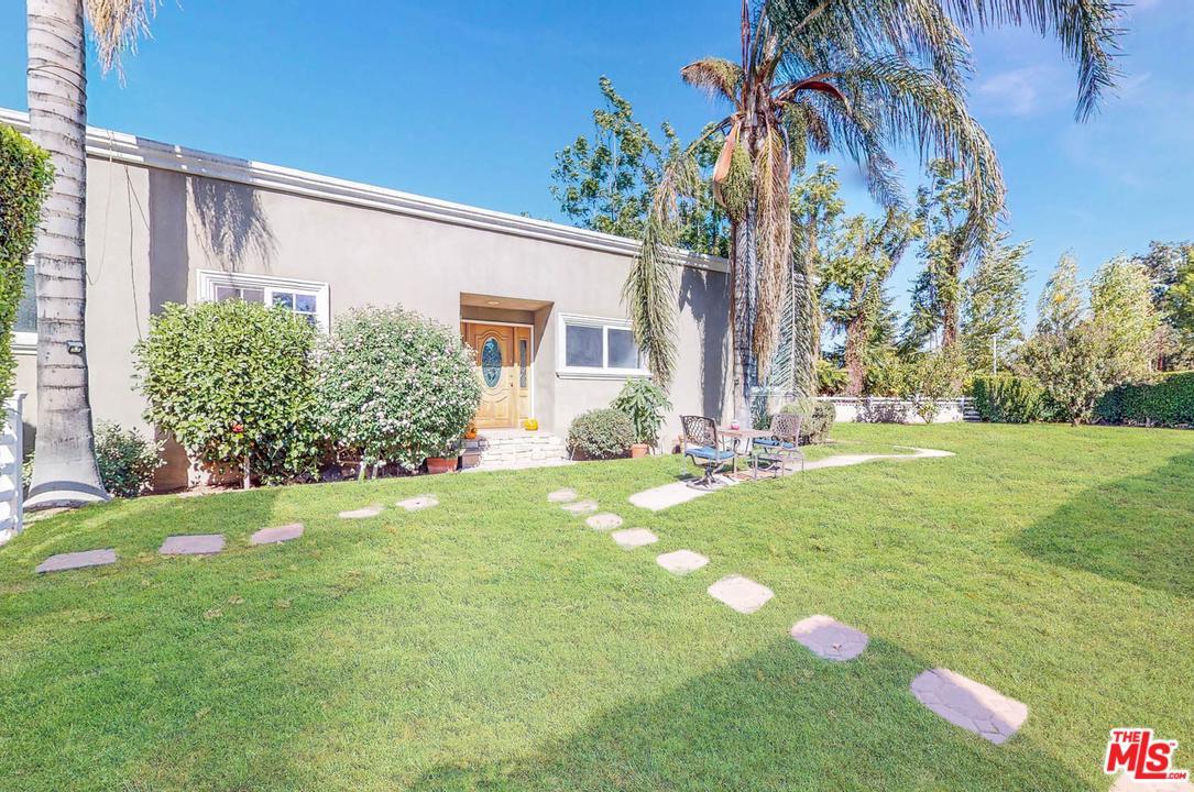 15127 MORRISON, Sherman Oaks, CA 91403