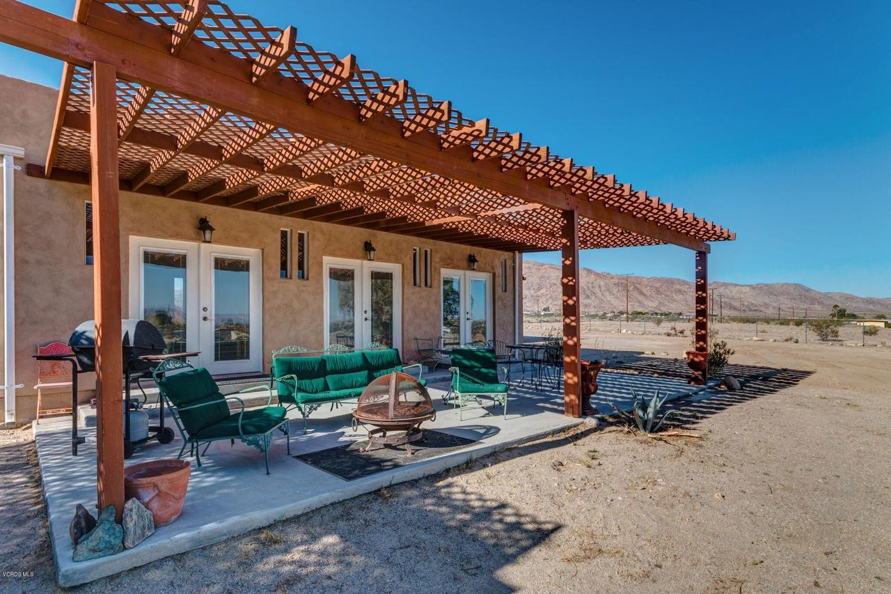 74784 FOOTHILL, 29 Palms, CA 92277 - Back patio